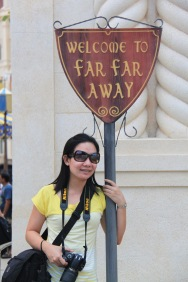 Singapore - Far Away at Univ Studios