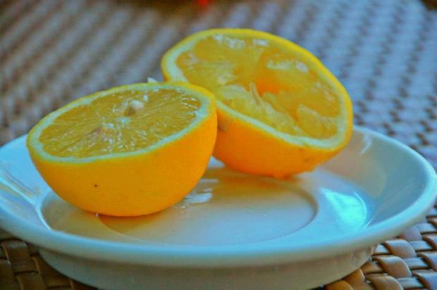 summer sunny lemons