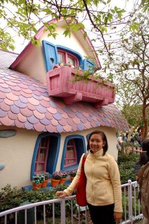 Minnie's cute house