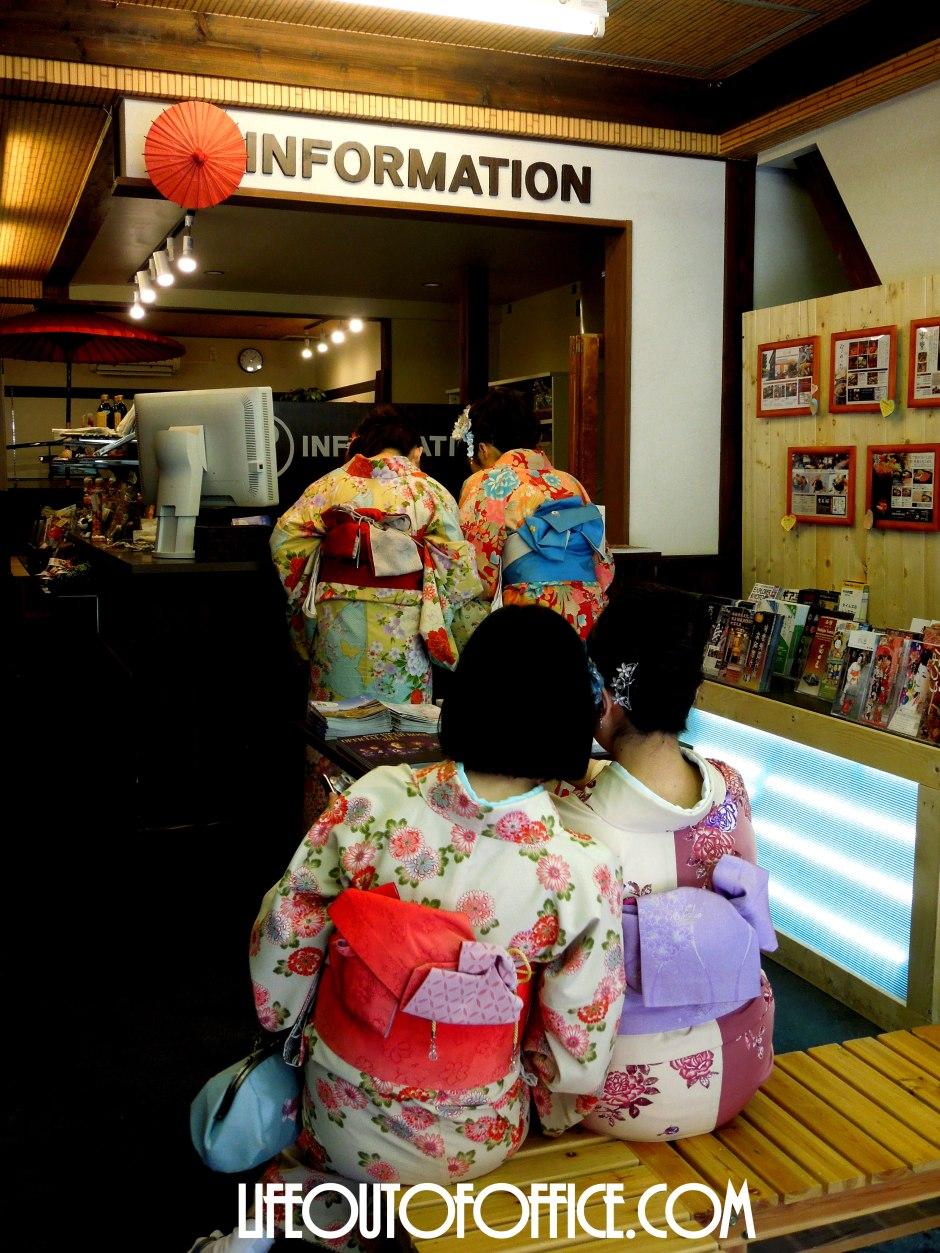 [Kyoto Information Center] dressed up